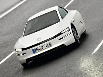 """""""Заряженную"""" версию самой экономичной модели VW покажут весной"""