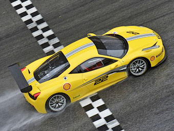 Компания Ferrari усовершенствовала гоночный вариант 458 Italia