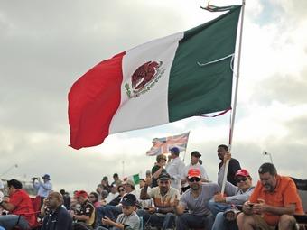 Команду McLaren заставили убрать марихуану с мексиканского флага