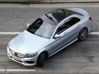 Новый Mercedes-Benz C-Class сфотографировали без камуфляжа