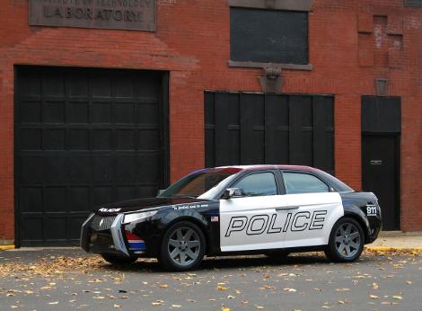 На торги выставят патрульный седан первого независимого производителя машин для полиции США. Фото 2
