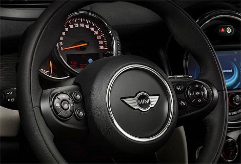 Хэтчбек MINI получил трехцилиндровые моторы, новое шасси и адаптивную подвеску. Фото 7