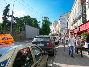 Машины с московскими номерами освободят от оплаты парковки