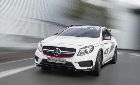 В Лос-Анджелесе дебютировал концептуальный Mercedes-Benz GLA 45 AMG. Фото 4