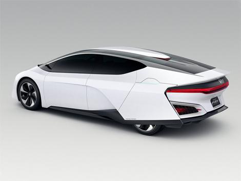 Японский автопроизводитель показал концепт-кар FCEV. Фото 1