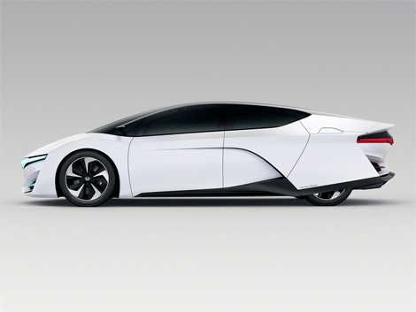 Японский автопроизводитель показал концепт-кар FCEV. Фото 2