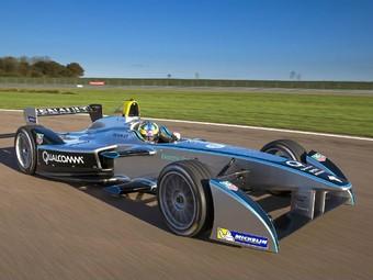 Болид электрической Формулы-E приступил к тестам