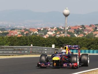 Себастьян Феттель занял поул-позицию на последнем этапе Формулы-1