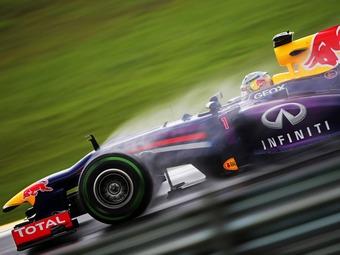 Дождь сорвал тесты новых покрышек для Формулы-1