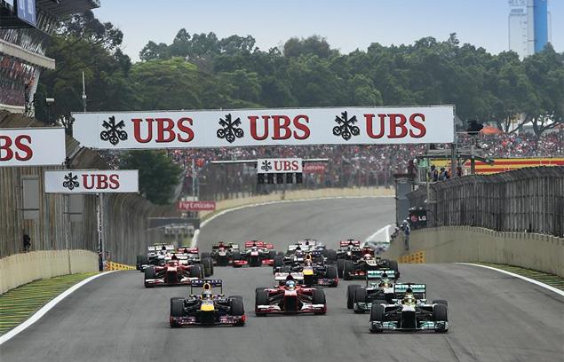 Чемпион Формулы-1 закончил сезон рекордной победой. Фото 2