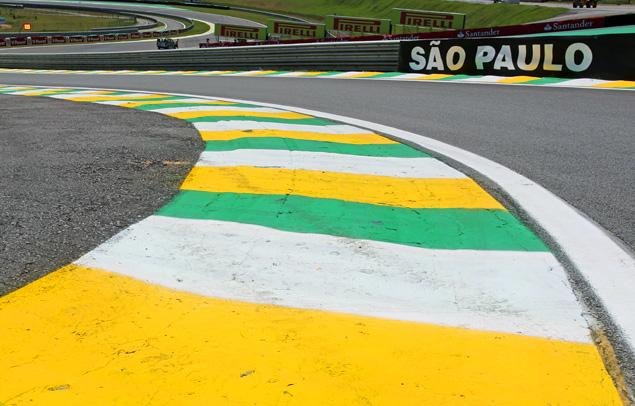 Чемпион Формулы-1 закончил сезон рекордной победой. Фото 7