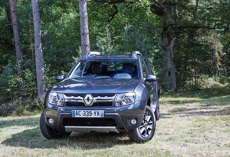 Появились фотографии кроссовера Renault Duster. Фото 2