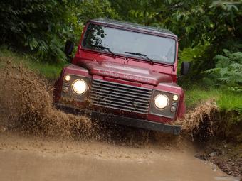 Land Rover завершит обновление линейки Defender к 2017 году
