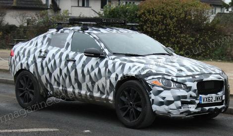 Фотошпионы засняли тестовый прототип вседорожника Jaguar
