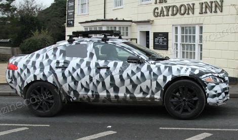 Фотошпионы засняли тестовый прототип вседорожника Jaguar. Фото 1