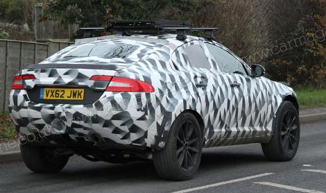 Фотошпионы засняли тестовый прототип вседорожника Jaguar. Фото 2