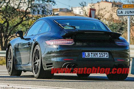 Спорткар Porsche 911 обновится к 2015 году