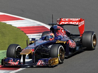Даниил Квят проведет полтора дня на шинных тестах Формулы-1