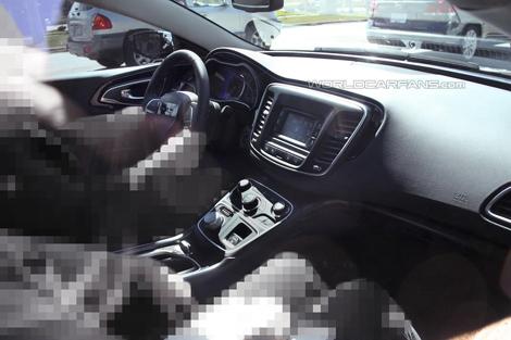 Дебют седана Chrysler 200 следующего поколения состоится в январе. Фото 2