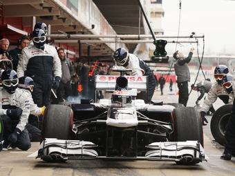 Участники Формулы-1 заплатили за год 300 тысяч евро штрафов