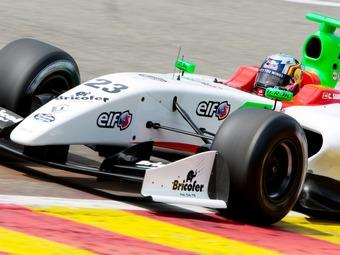 Место пилота McLaren в Формуле-Renault 3.5 досталось протеже Red Bull