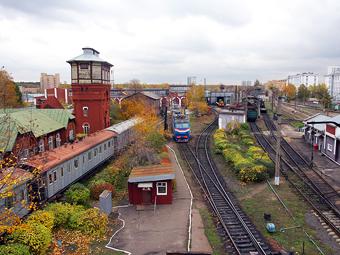 Стоянки около железнодорожных станций Подмосковья станут платными
