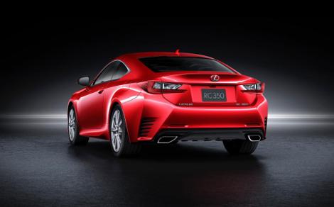 Lexus представил новый цвет для купе RC. Фото 1