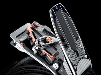 В честь Bugatti сделали пряжку ремня по цене Porsche 911