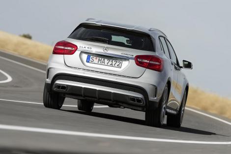 "Mercedes-Benz GLA 45 AMG наберет ""сотню"" за 4,8 секунды. Фото 4"