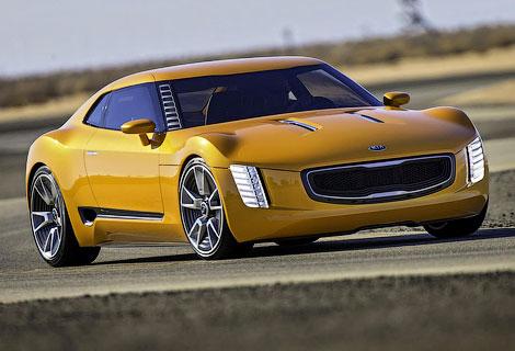 Опубликованы фотографии заднеприводного прототипа Kia GT4 Stinger
