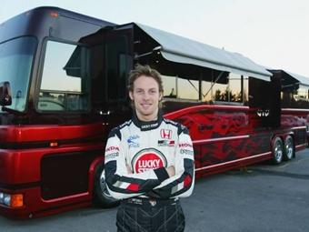Автобус чемпиона Формулы-1 превратили в семизвездочный отель