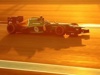 Команда Формулы-1 Caterham заменила обоих пилотов