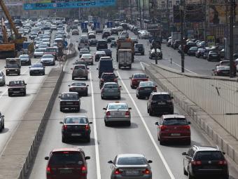 Российские машины разрешат «пробить» по базе за 100 рублей