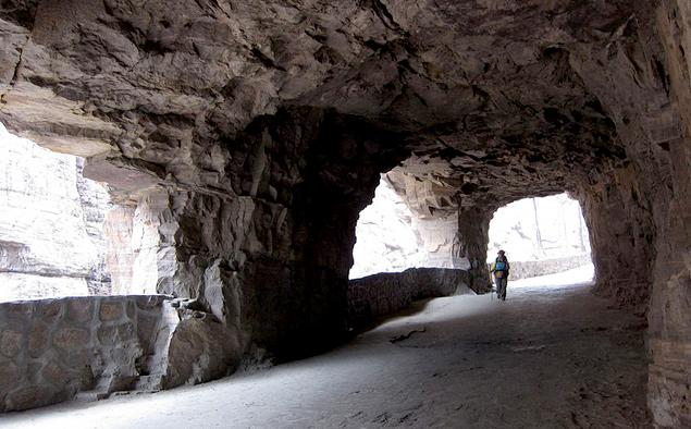 Пять самых необычных автомобильных тоннелей на свете. Фото 3