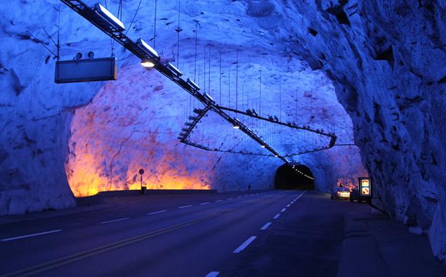 Пять самых необычных автомобильных тоннелей на свете. Фото 7
