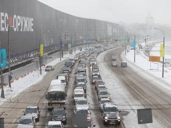 Столичных автомобилистов предупредят о пробках по SMS