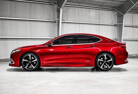 В конце года в России начнут продавать седан TLX. Фото 3