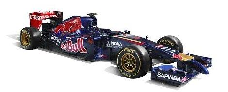Российский гонщик продемонстрировал новый автомобиль Формулы-1 команды Toro Rosso. Фото 1