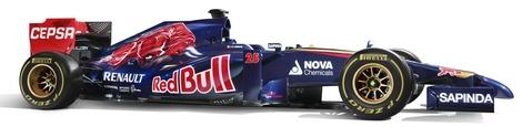 Российский гонщик продемонстрировал новый автомобиль Формулы-1 команды Toro Rosso. Фото 3