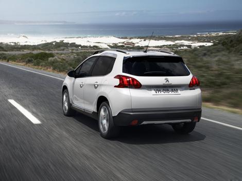 Компактный кроссовер Peugeot будут продавать в России с двумя моторами