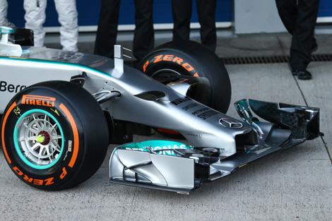 Льюис Хэмилтон и Нико Росберг показали болид F1 W05 для сезона-2014. Фото 3