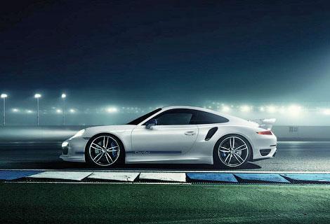 Спорткар Porsche получил новый обвес кузова и доработанный мотор. Фото 1