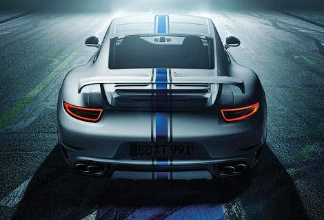 Спорткар Porsche получил новый обвес кузова и доработанный мотор. Фото 2
