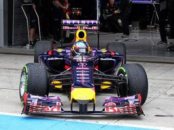 Новый регламент обошелся участникам Формулы-1 в миллиард евро