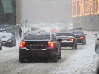 Госдуму вновь попросят запретить летние шины зимой