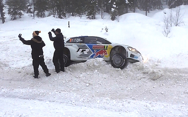 Пилоты Volkswagen устроили битву за победу на Ралли Швеции. Фото 3