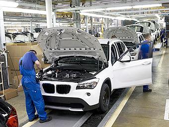 """Уволенных сотрудников """"АвтоВАЗа"""" позвали собирать BMW и Cadillac"""