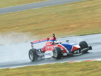 Российский гонщик упустил титул в новозеландском чемпионате