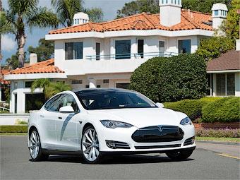 Седан Tesla Model S получит полный привод через год