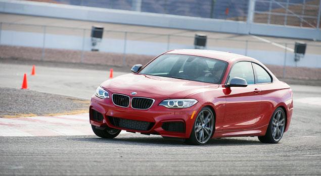 Первый тест маленького купе BMW 2 Series. Фото 6